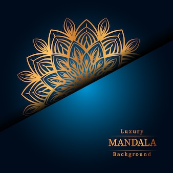 Arrière-plan de conception de mandala ornemental de luxe en couleur or