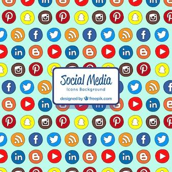 Arrière-plan dessiné avec des icônes de médias sociaux