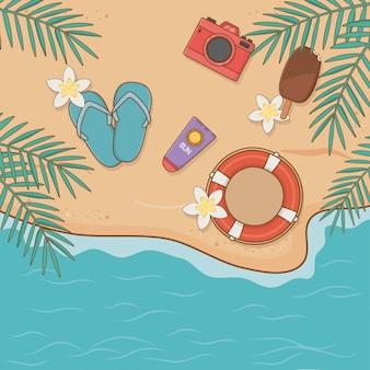 Articles de vacances d'été sur la scène de la vue aérienne de la plage