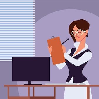 Assistante personnelle femme travaillant