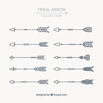 Assortiment de flèches tribales dans un style géométrique