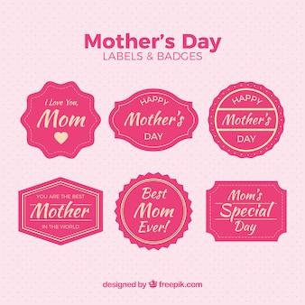 Assortiment de six badges roses pour la fête des mères
