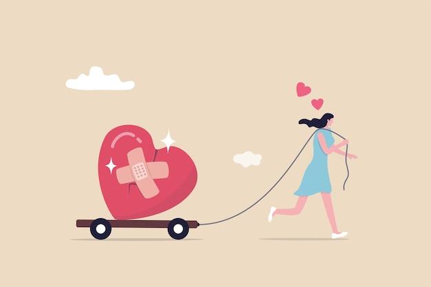 Avancez ou oubliez et pardonnez, ouvrez-vous à une nouvelle relation, guérissez ou guérissez d'un cœur brisé ou d'un divorce et d'un concept de problème relationnel, femme heureuse marchant avec un bandage réparé en forme de cœur.