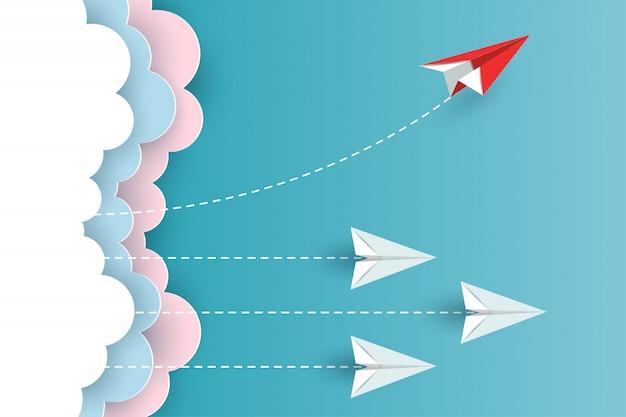 Avion en papier changeant de direction depuis les nuages jusqu'au ciel. nouvelle idée. différents concepts d'entreprise. vecteur de dessin animé illustration