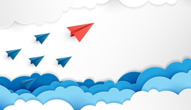 L'avion en papier est une compétition pour la destination jusqu'aux nuages et le ciel va à l'objectif de réussite financière