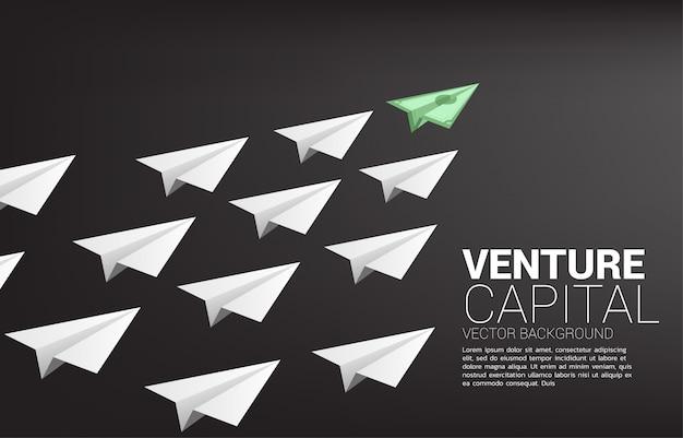 Avion en papier de groupe de billets de banque d'argent blanc. concept d'entreprise du thème du mouvement financier.