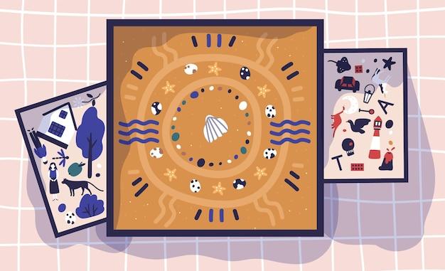 Bacs à sable, plateaux et boîtes avec du sable et des figurines miniatures