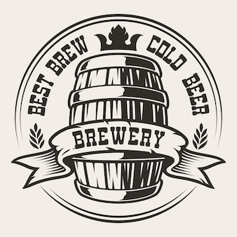 Badge avec une bière en barrique sur fond blanc. le texte est dans un groupe séparé.