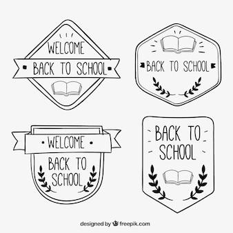 Badges drôles dessinés à la main pour retourner à l'école
