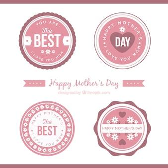 Badges ronds dans des tons roses pour la fête des mères