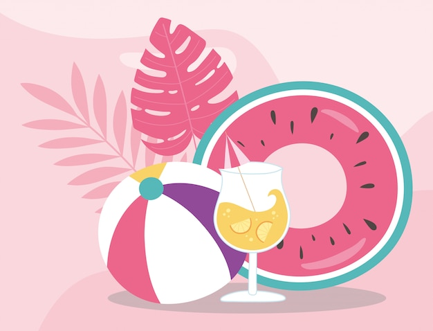 Ballon de plage flottant et cocktail de vacances d'été