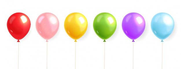 Ballons colorés mis en réaliste, ballon d'hélium, fond d'anniversaire, carte de fête, illustration festive, isolée