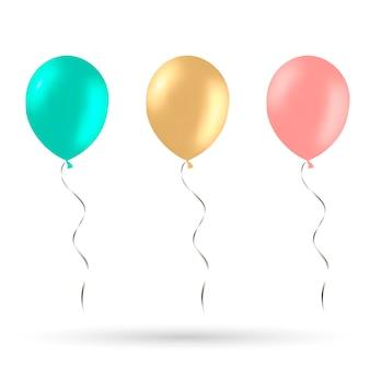 Ballons réalistes rouges, bleus et or isolés