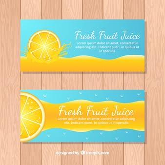 Banderoles bleues avec jus d'orange