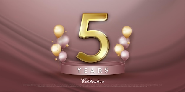 Bannière de célébration du 5ème anniversaire avec des ballons réalistes sur le podium
