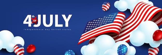 Bannière de célébration du jour de l'indépendance des états-unis avec des ballons américains et drapeau des états-unis se déplaçant sur le ciel nuageux