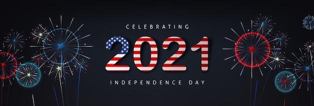 Bannière de célébration de la fête de l'indépendance des états-unis avec fond de feux d'artifice et texte drapeau américain 2021