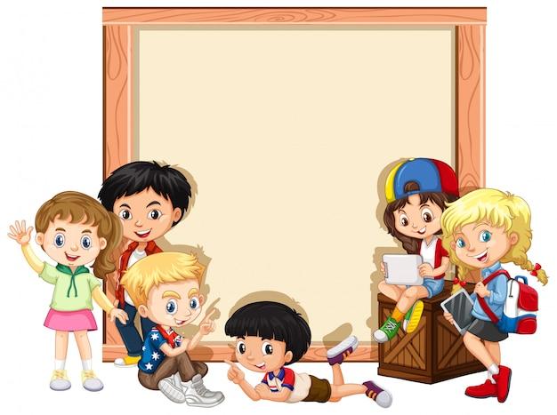 Bannière avec des enfants heureux