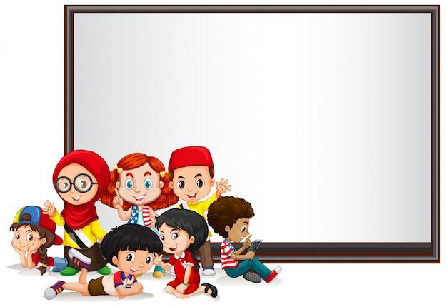 Bannière avec enfants et tableau blanc