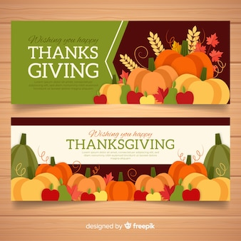Bannière de joyeux thanksgiving day sertie de nourriture et de citrouilles