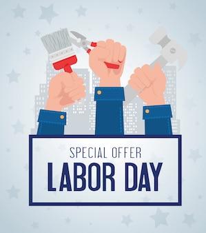 Bannière publicitaire de promotion de vente de fête du travail, avec construction de mains et d'outils