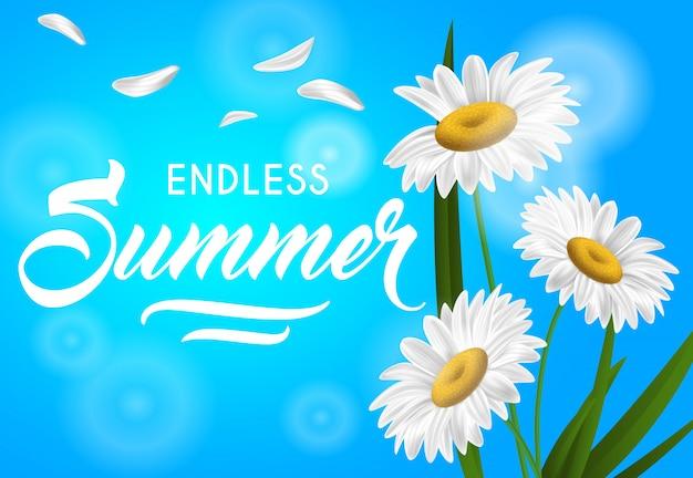 Bannière saisonnière été sans fin avec des fleurs de camomille sur fond bleu ciel.