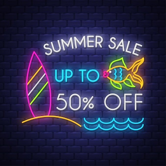 Bannière de vente d'été. enseigne au néon