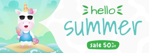 Bannière de vente d'été avec une licorne mignonne utilisant un costume d'été
