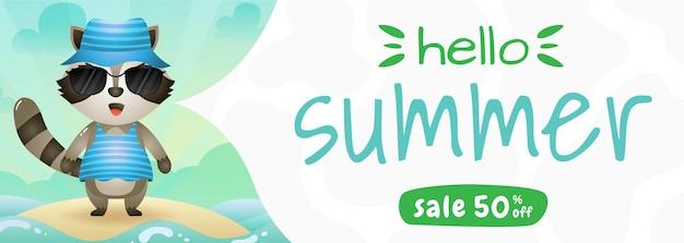 Bannière de vente d'été avec un mignon raton laveur utilisant un costume d'été