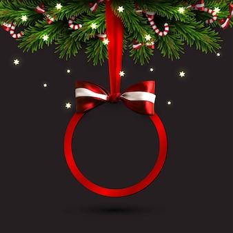 Bannière de vente joyeux noël et bonne année. bordure d'arbre de noël avec décorations dorées, arc rouge et ruban