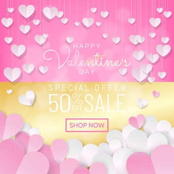Bannière de vente saint valentin rose et or, décoration de papier découpé coeurs suspendus.