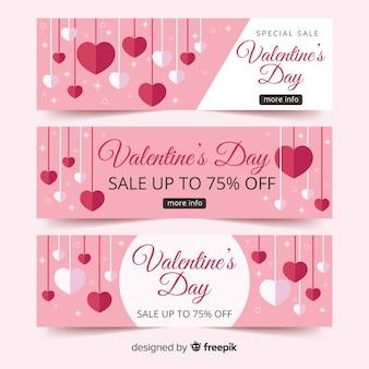 Bannière de vente de valentine coeurs suspendus