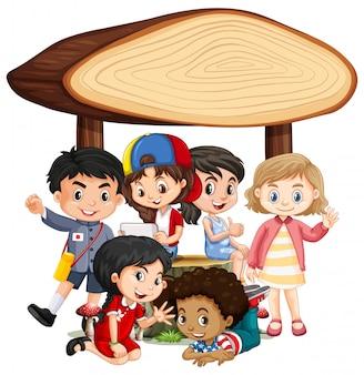 Bannière vierge avec des enfants heureux