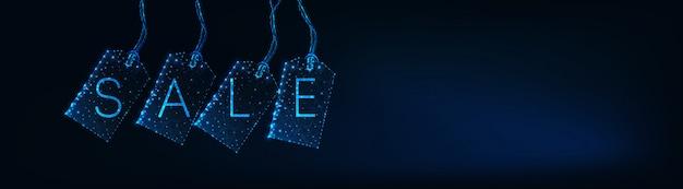 Bannière web de vente design futuriste avec des étiquettes d'étiquette polygonale rougeoyantes, texte sur bleu foncé