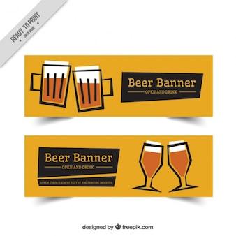 Bannières de bière avec un fond jaune