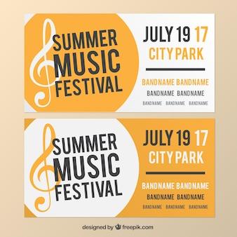 Bannières blanches et jaunes au sujet de festival de musique