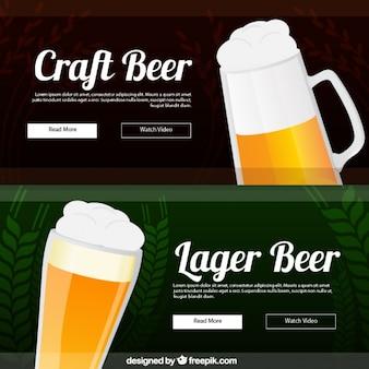 Bannières de délicieuses bières avec de la mousse