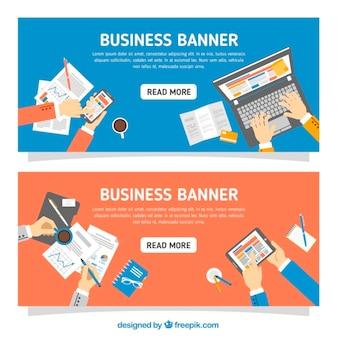 Bannières avec des éléments d'affaires en design plat