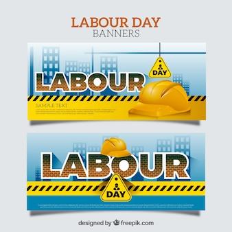 Des bannières fantastiques du jour du travail avec des casques jaunes