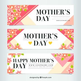 Les bannières de fête des mères avec des fleurs