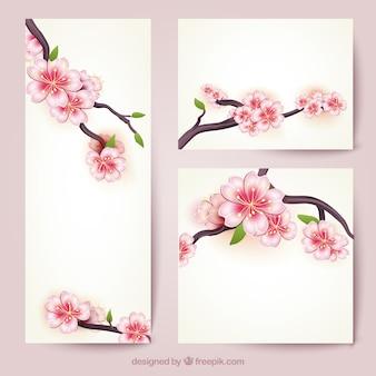Bannières avec des fleurs de cerisier
