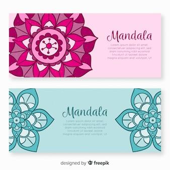 Bannières de mandala décoratifs dessinés à la main