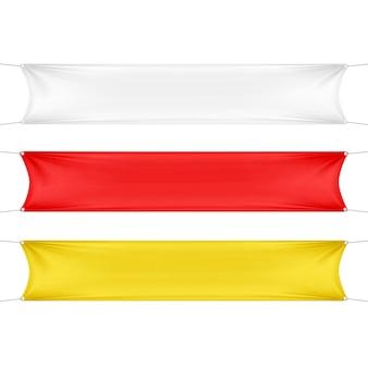 Bannières rectangulaires horizontales vides blanches, rouges et jaunes sertie de cordes de coins.