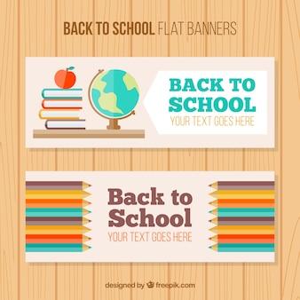 Bannières de retour à l'école avec des sujets et des crayons