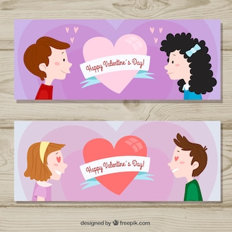 Bannières de saint valentin avec des couples qui se regardent