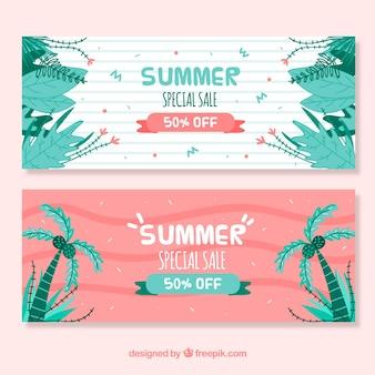 Bannières de vente d'été avec des feuilles dessinées à la main