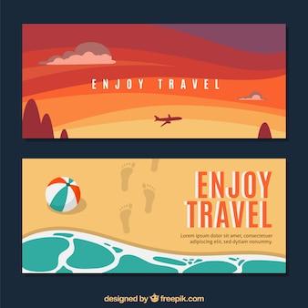 Bannières de voyage d'été avec un design plat