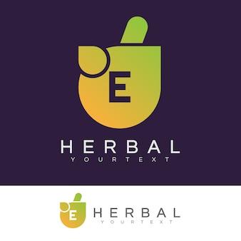 À base de plantes initiale lettre e logo design