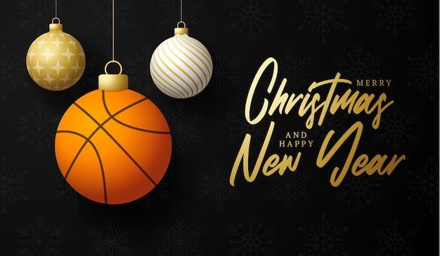 Basketball joyeux noël et bonne année carte de voeux de sport de luxe. ballon de basket-ball comme boule de noël sur fond. illustration vectorielle.