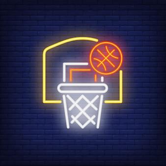 Basketball volant dans le cerceau enseigne au néon